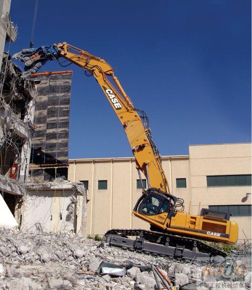 凯斯全球同步推出新型特种挖掘机